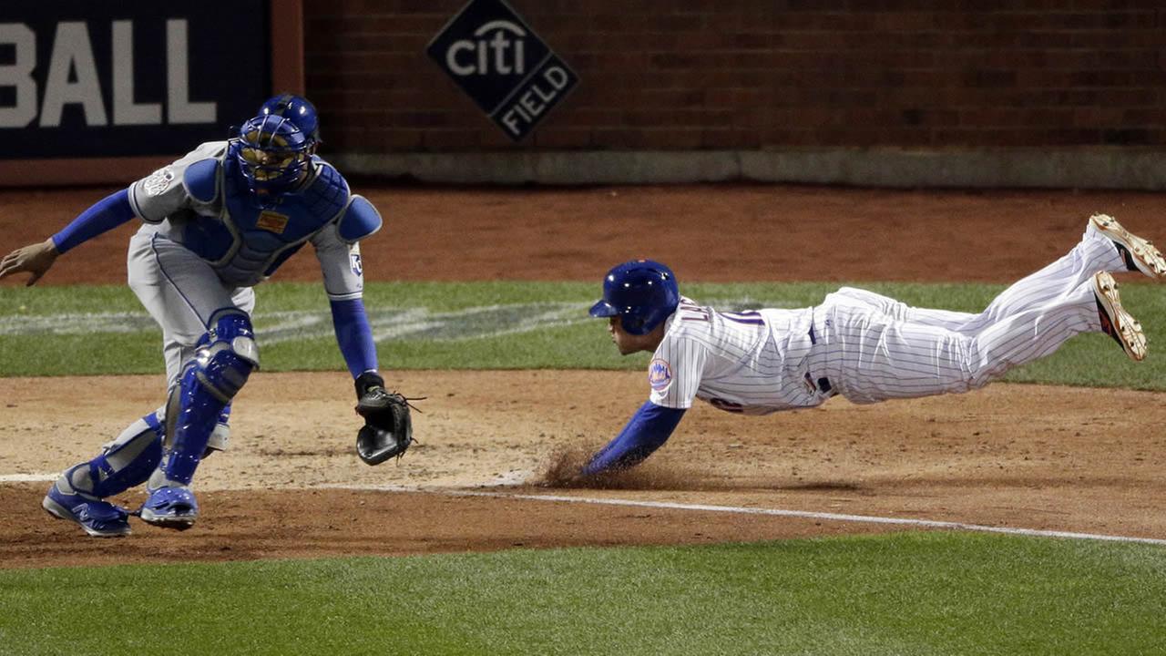 New York Mets Juan Lagares scores
