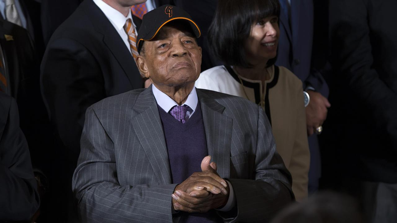 San Francisco Giants Hall of Fame baseball player Willie Mays listens in the East Room of the White House in Washington, Thursday, June 4, 2015. (AP Photo/Evan Vucci)