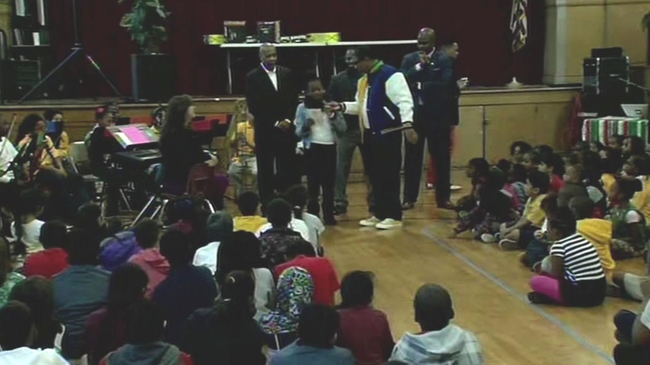 Youth Sports Nation led an assembly at Lafayette Elementary School to fire up some kids in Oakland, Calif. on Tuesday, November 17, 2015.