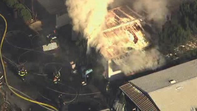 Firefighters Battle A 2 Alarm Fire At Mobile Home Park In Vallejo Calif
