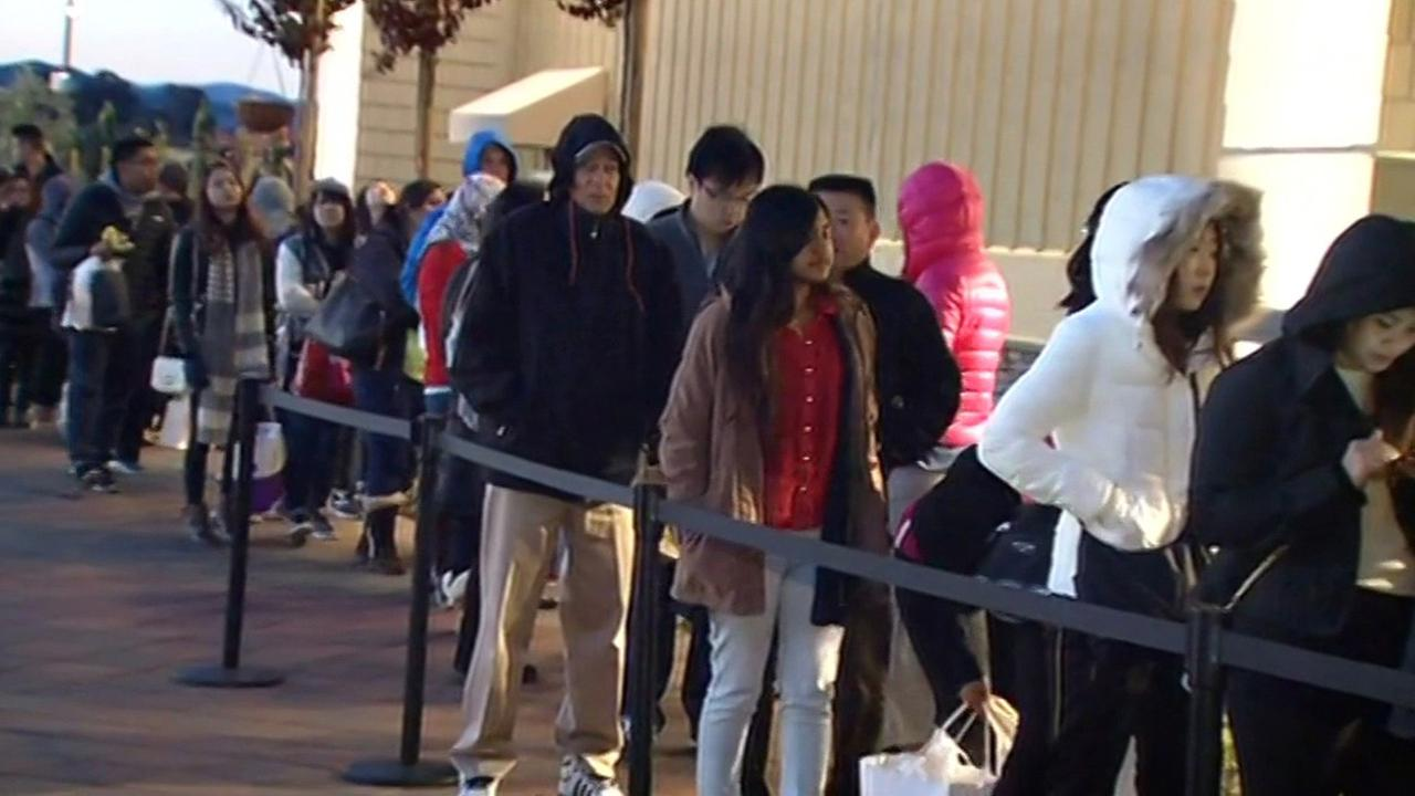 Black Friday line at San Francisco Premium Outlets in Livermore, Friday, November 27, 2015.
