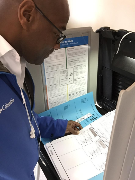 "<div class=""meta image-caption""><div class=""origin-logo origin-image ""><span></span></div><span class=""caption-text"">ABC7 News Reporter Nick Smith votes because it matters! (KGO)</span></div>"