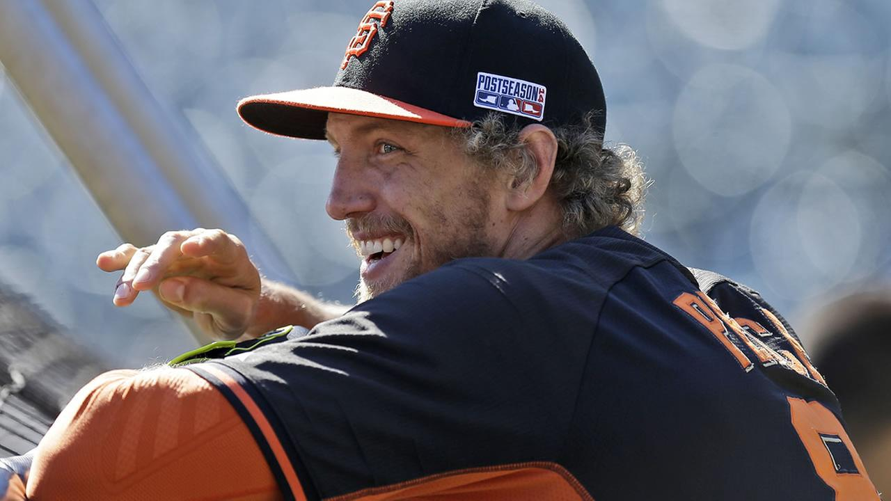 Giants right fielder Hunter Pence smiles during batting practice before Game 3 of baseballs NL Division Series against the Nationals in San Francisco, , Oct. 6, 2014. (AP Photo/Ben Margot)
