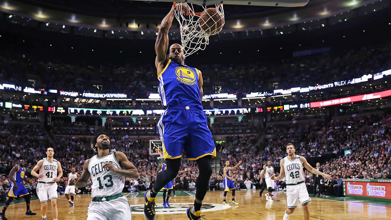 Golden State Warriors forward Andre Iguodala dunks