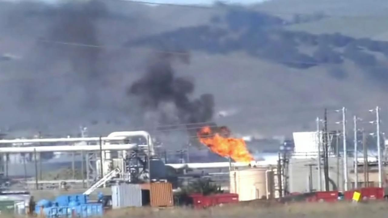 Black smoke and flames could be seen billowing from Tesoro refinery near Martinez Dec. 15, 2015.