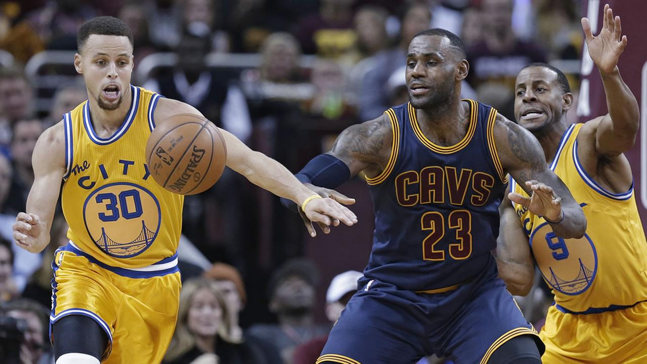 Warriors Stephen Curry and Cleveland Cavaliers LeBron James