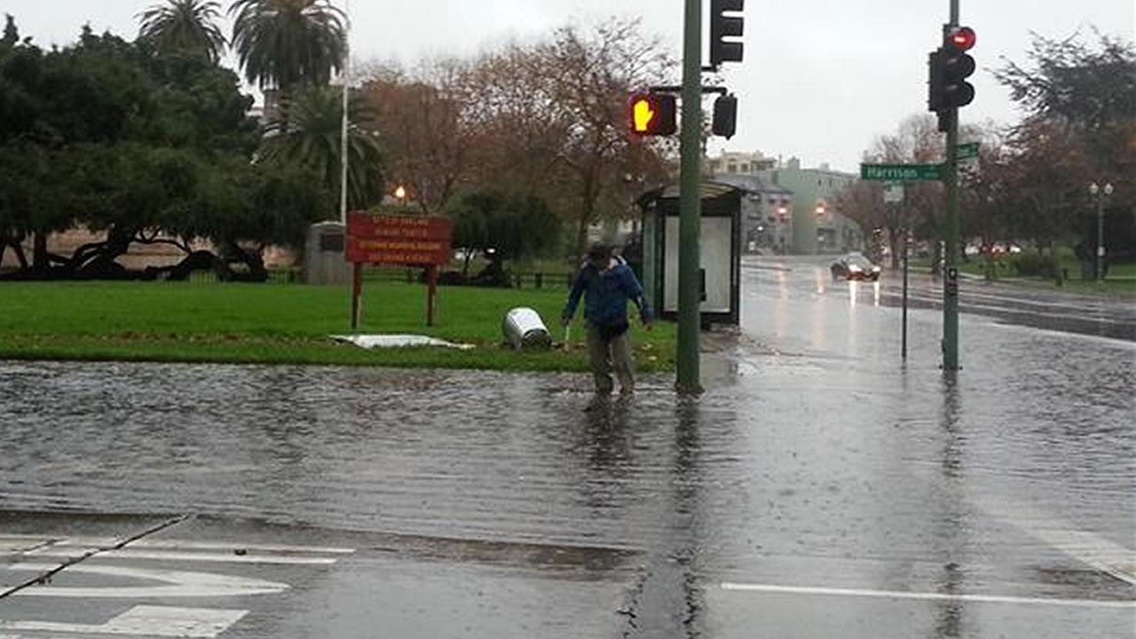 "<div class=""meta image-caption""><div class=""origin-logo origin-image ""><span></span></div><span class=""caption-text"">Flooding in Oakland near Lake Merritt on Thursday, Dec. 11, 2014 (uReport).</span></div>"