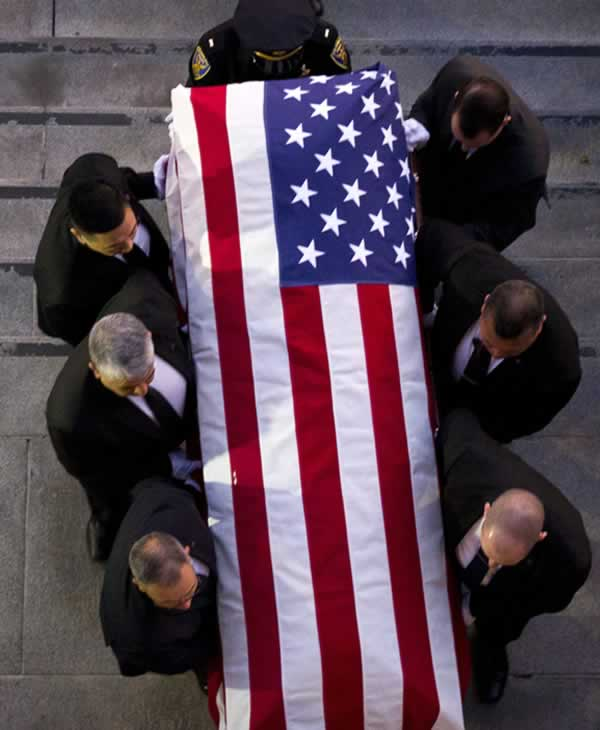 <div class='meta'><div class='origin-logo' data-origin='none'></div><span class='caption-text' data-credit='Santiago Mejia / The San Francisco Chronicle'>The casket holding the body of late San Francisco Mayor Ed Lee is carried into City Hall on Friday, Dec. 15, 2017.</span></div>