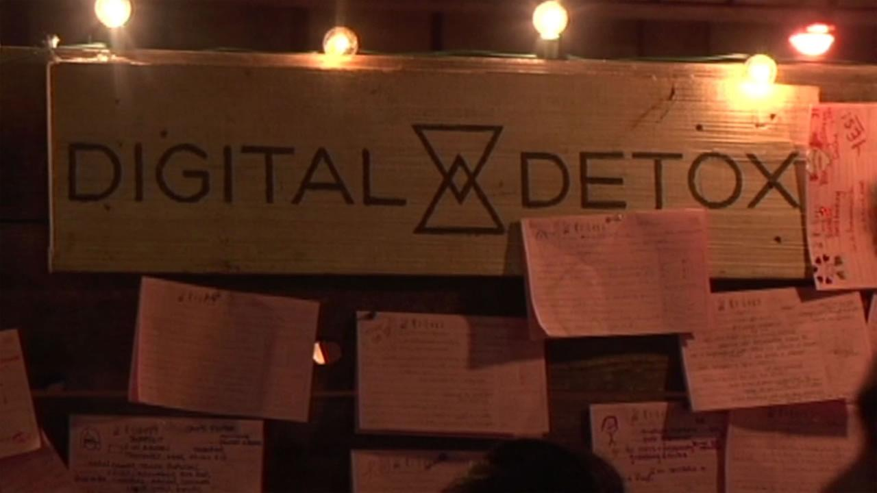 This image shows the Digital Detox sign.