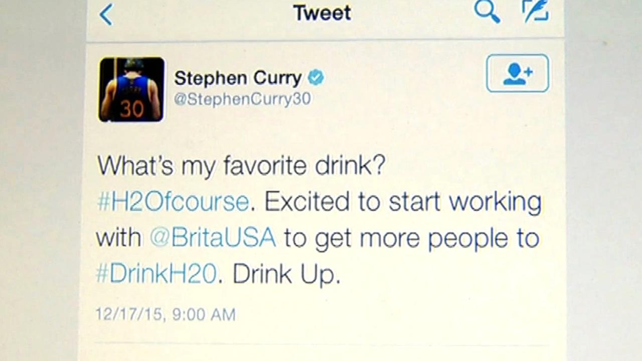 This image shows a tweet by Warriors star Stephen Curry about his endorsement contract with Brita.