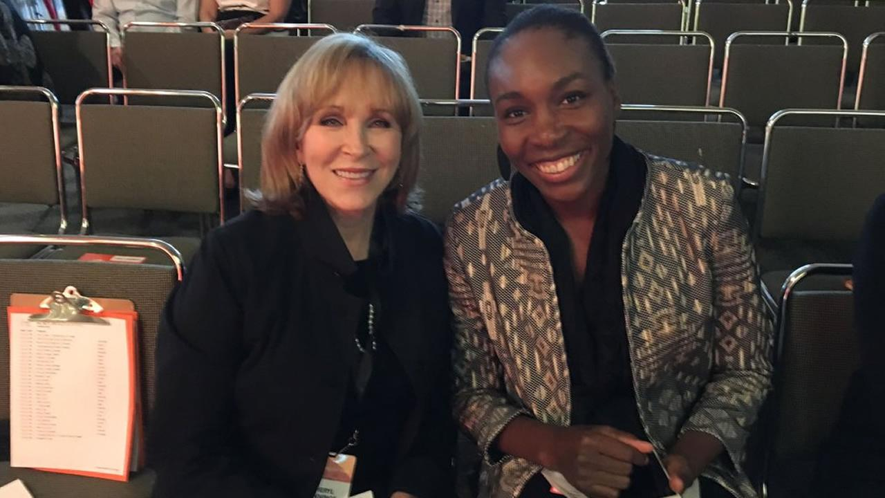 ABC7s Cheryl Jennings sits with tennis star Venus Williams during a Professional BusinessWomen of California Conference VIP reception in San Francisco on March 21, 2016.