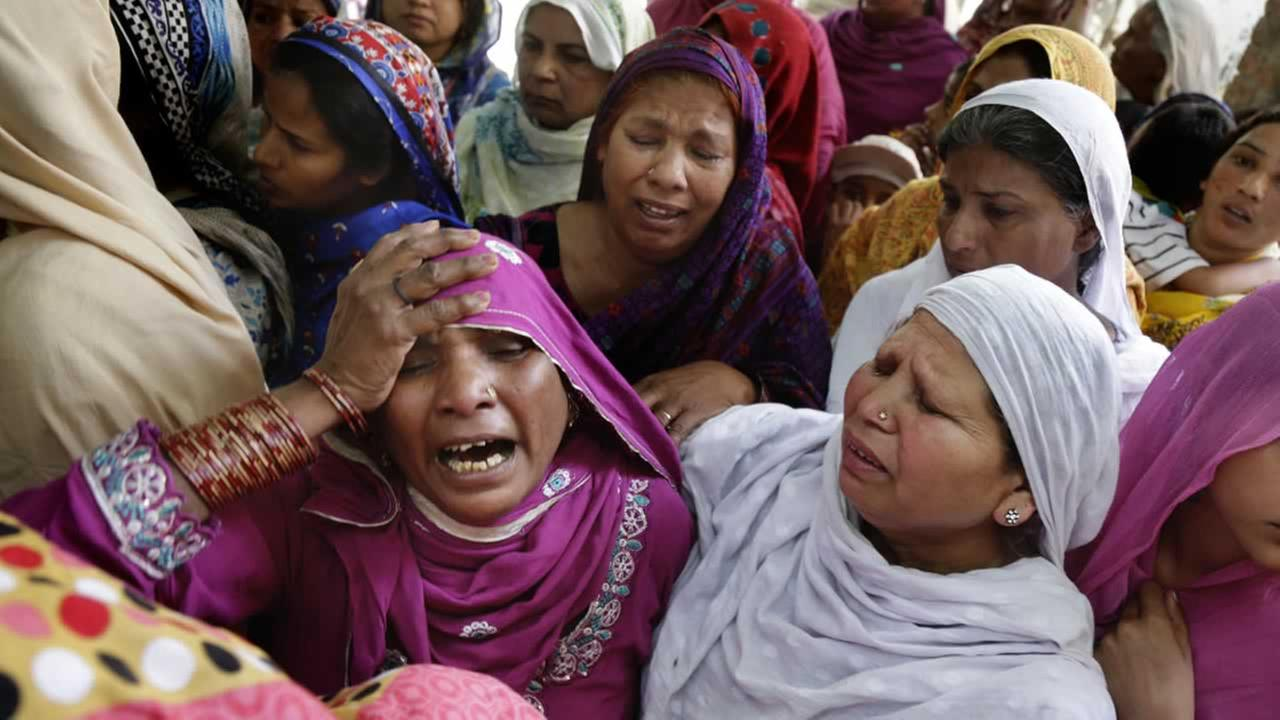 Pakistani Christian women mourn the death of a man killed form a bombing attack, in Lahore, Pakistan, Monday, March 28, 2016.