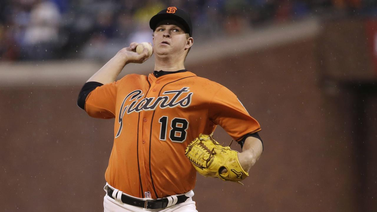 San Francisco Giants starter Matt Cain throws to the Los Angeles Dodgers during the first inning of a baseball game Friday, April 8, 2016, in San Francisco.