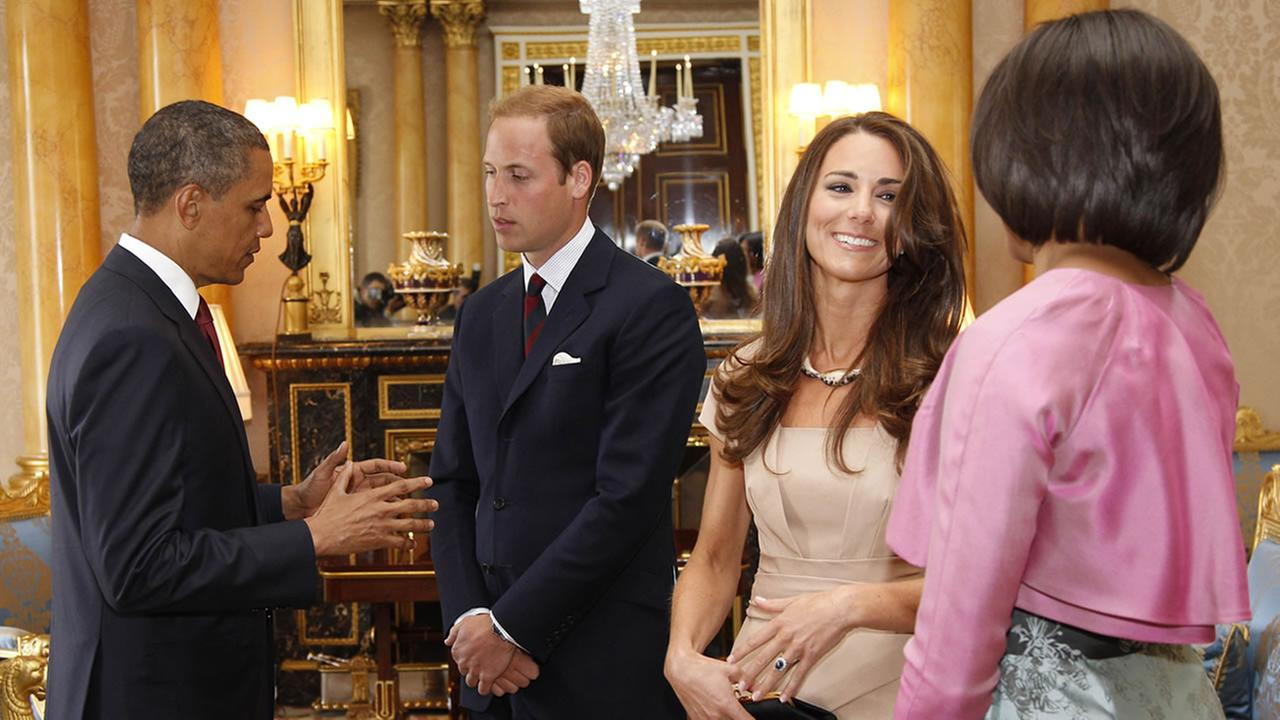 U.S. President Barack Obama and first lady Michelle Obama meet with Britains Prince William and Catherine, the Duke and Duchess of Cambridge, at Buckingham Palace in London,  May 24, 2011. (AP Photo/Charles Dharapak, Pool)