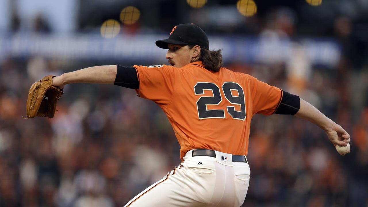 San Francisco Giants pitcher Jeff Samardzija works against the Miami Marlins during the first inning of a baseball game Friday, April 22, 2016, in San Francisco.
