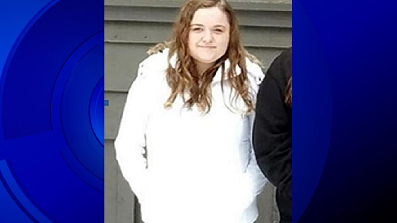 A missing 17-year-old teenager named Kelsey Dahl who was reported missing on Thursday, May 5, 2016 is seen in this undated image.