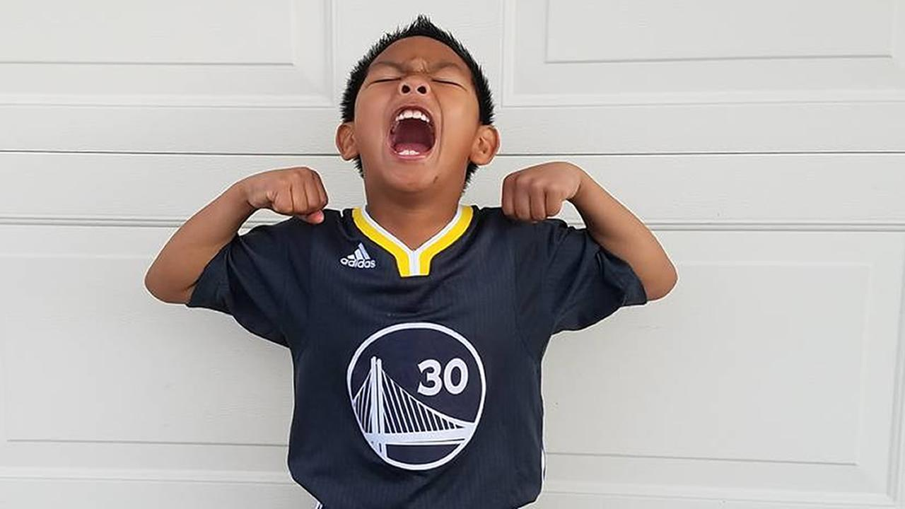 We want to see your fan pride, so tag your photos #DubsOn7 and we may feature them here or on TV.