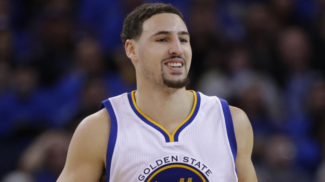 Golden State Warriors Klay Thompson (11) during an NBA basketball game against the San Antonio Spurs Monday, Jan. 25, 2016, in Oakland, Calif. (AP Photo/Marcio Jose Sanchez)