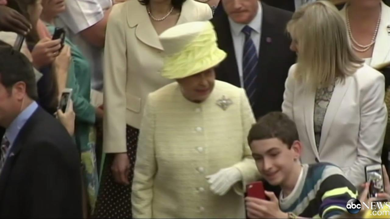 A teen in Ireland took a selfie with Queen Elizabeth.