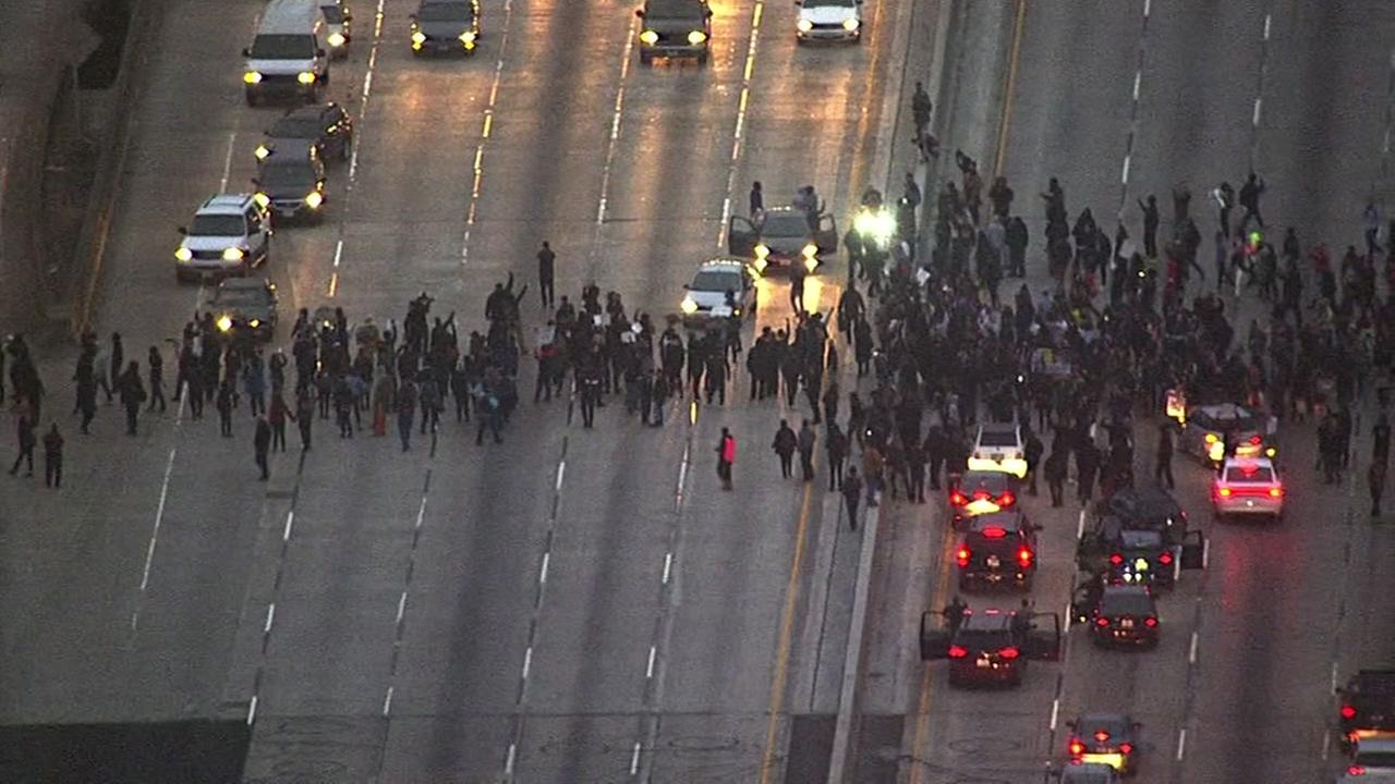 This image shows protesters marching onto Interstate 880 in Oakland, Calif. on July 7, 2016.KGO-TV