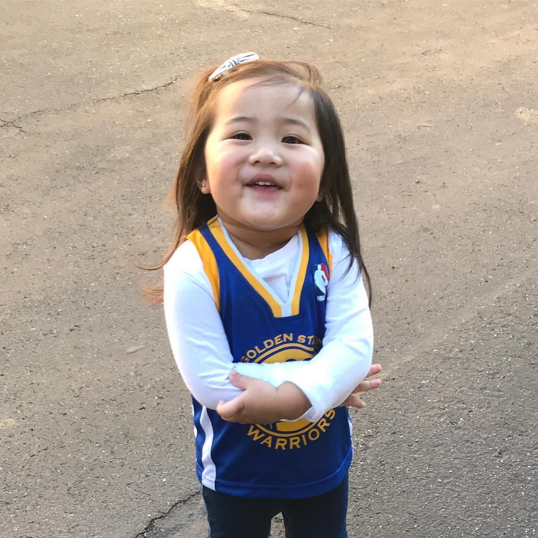 <div class='meta'><div class='origin-logo' data-origin='none'></div><span class='caption-text' data-credit='kiksdizon/Instagram'>Dub Nation is showing Golden State pride by sending their photos to ABC7 with #DubsOn7. Go Warriors!</span></div>