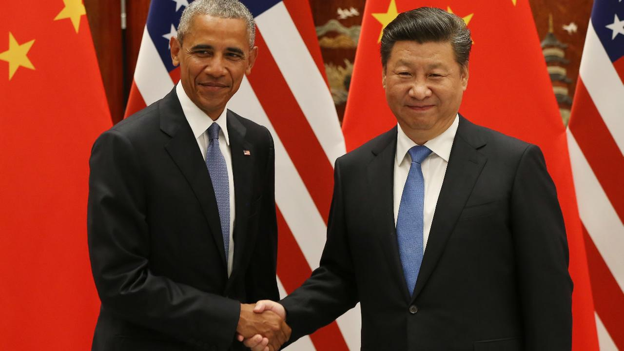 U.S. President Barack Obama and Chinese President Xi Jinping shake hands at the West Lake State Guest House in Hangzhou, China, Saturday, Sept. 3, 2016, on the sidelines of the G-20 summit.