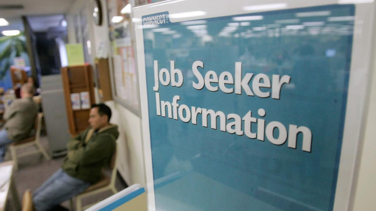A sign instructs job seekers at the California Employment Development Department in Sunnyvale, Calif., Tuesday, Jan. 6, 2009. (AP Photo/Marcio Jose Sanchez)