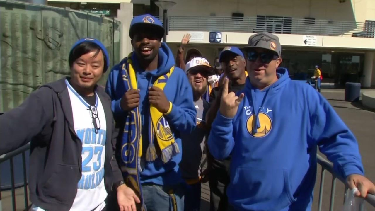 Warriors fans are seen queuing outside Oracle Arena in Oakland before Kevin Durants first preseason game at home on Oct. 4, 2016.