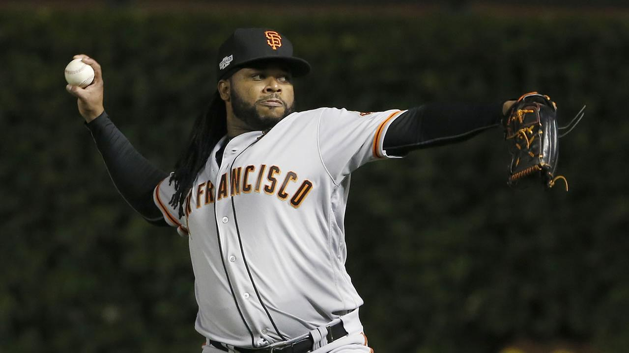 San Francisco Giants starting pitcher Johnny Cueto warms up before Game 1 of baseballs National League Division Series against the Chicago Cubs, Friday, Oct. 7, 2016, in Chicago.