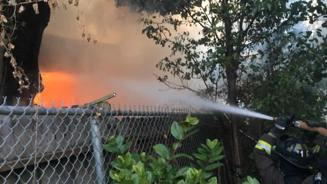 home on fire in Oakland