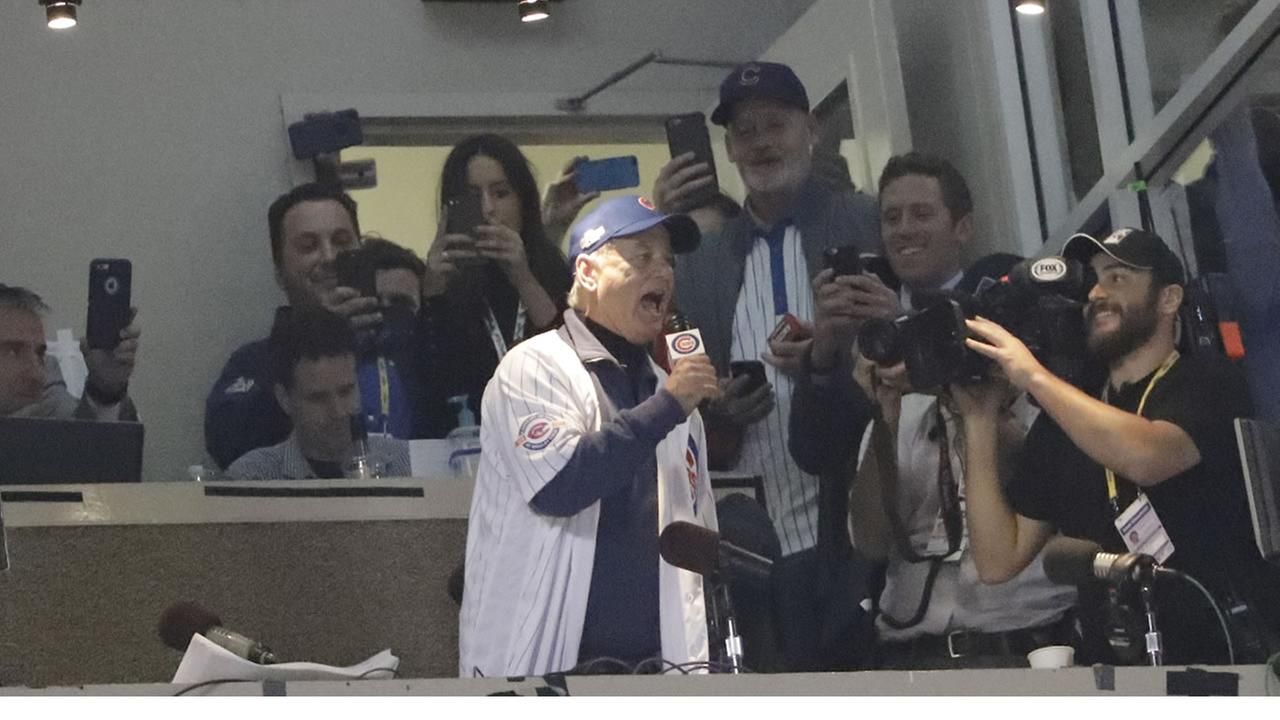 Bill Murray gives ticketless Cubs fan World Series seat