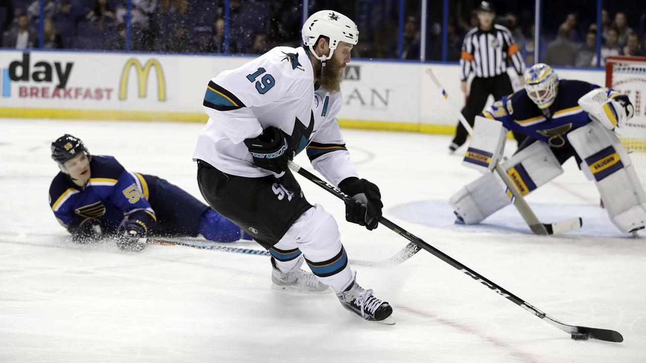 San Jose Sharks Joe Thornton (19) controls the puck during the third period of an NHL hockey game against the St. Louis Blues Thursday, Nov. 17, 2016, in St. Louis.