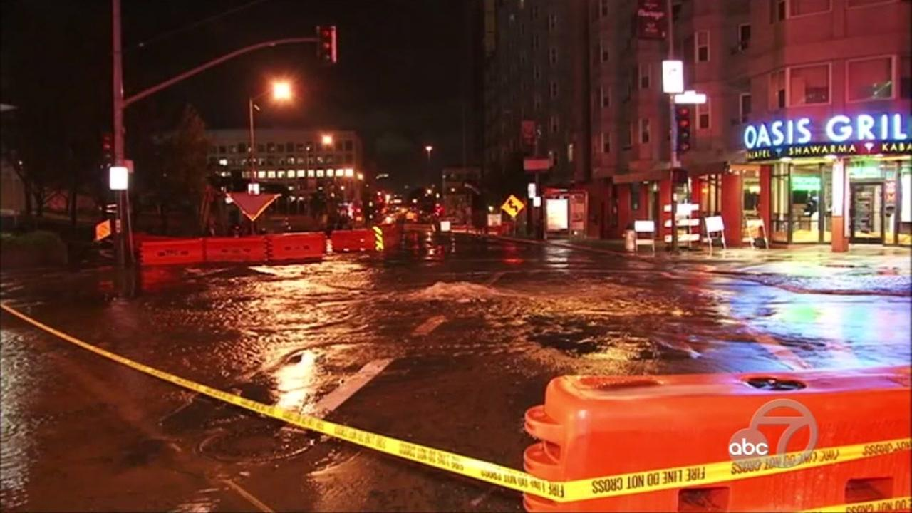 A water main broke at 4th and Howard Streets in San Francisco on Friday, Nov. 9, 2016.