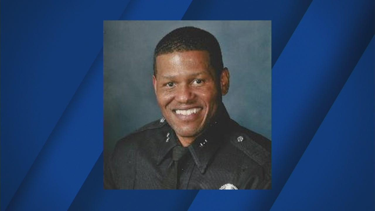 Mayor Ed Lee will announce LAPD veteran William Scott as the new San Francisco police chief, according to the SF Chronicle.