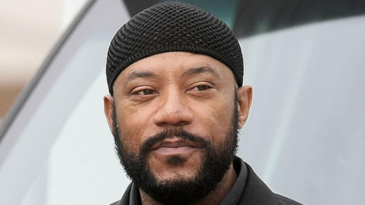Comedian and actor Ricky Harris, who had a recurring role in Chris Rocks Everybody Hates Chris sitcom died Monday, Dec. 26, 2016.