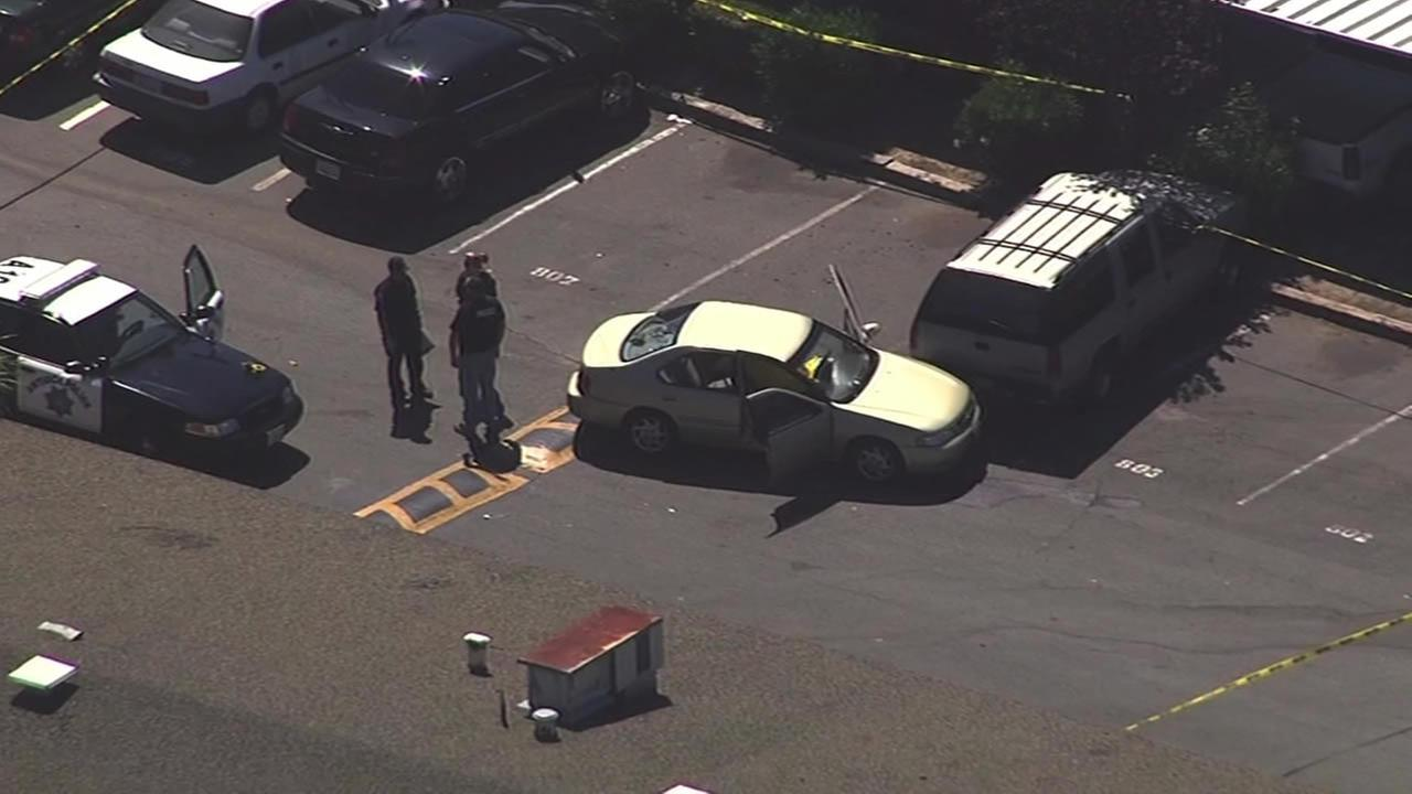 Antioch police investigate after dead body found in car