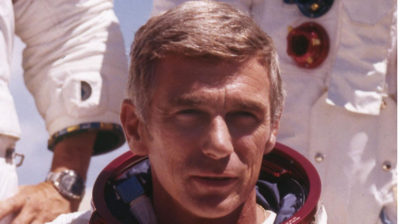 US American navy commander and astronaut for the Apollo 17, Eugene Cernan, is pictured in his space suit (Foto von 1972).