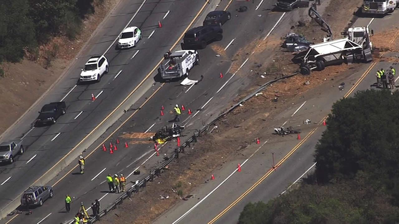 Fatal crash snarls traffic on Hwy 17 in Santa Clara County