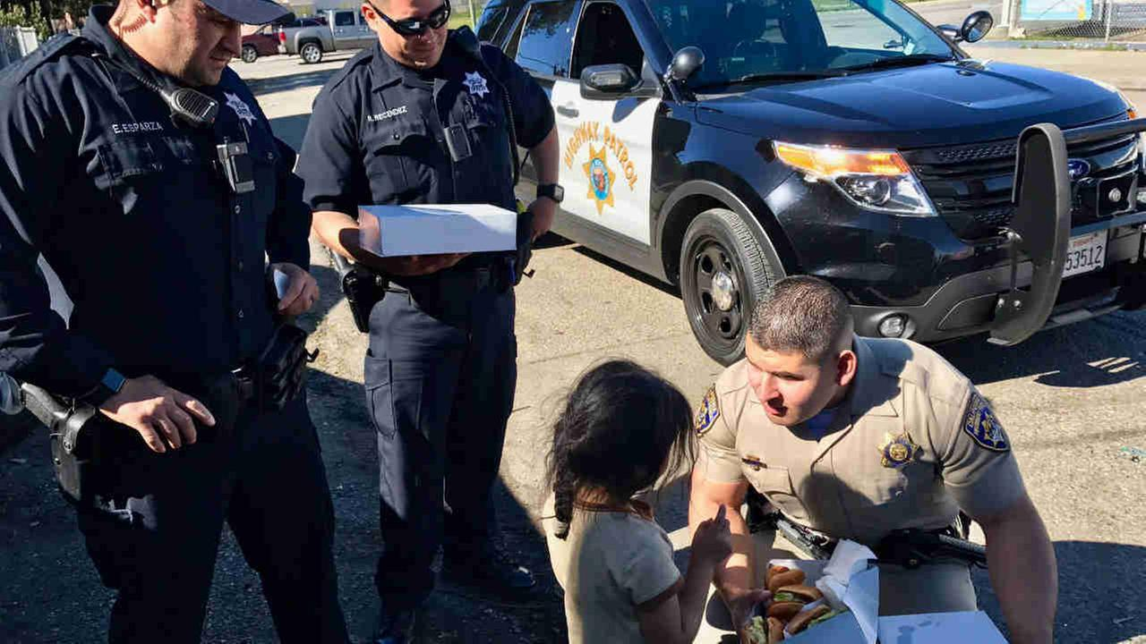 The CHPs Golden Gate Division has teamed up with OPD to share food, conversation and basic humanity with the Bay Areas homeless population.California Highway Patrol