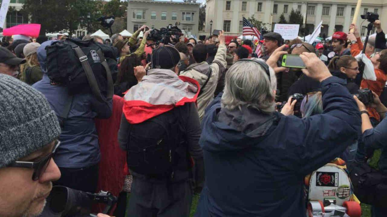 Arguments heated up in Berkeley as demonstrators on both sides of the debate over President Donald Trumps policies clashed Saturday afternoon.KGO-TV