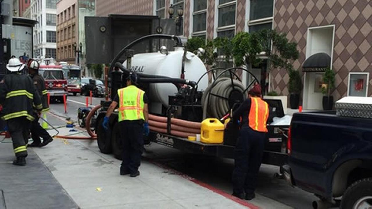 Crews repair water main in San Francisco's Union Square