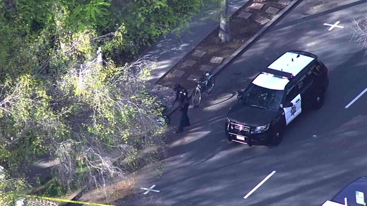 Palo Alto police search for hit and run suspects in cyclist crash