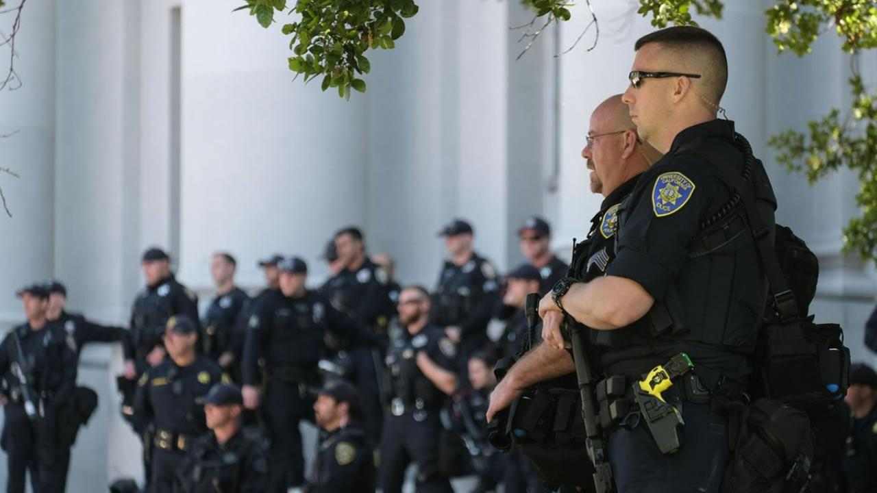 Police prepare for a protest following the cancelation of Ann Coulters speech at UC Berkeley on Thursday, April 27, 2017.KGO-TV/Wayne Freedman