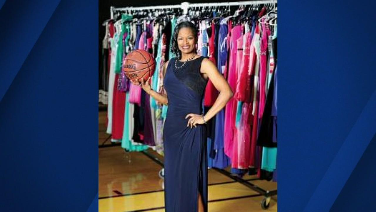 Leslie West, wife of Warriors forward David West, has been giving away prom dresses for 13 years.