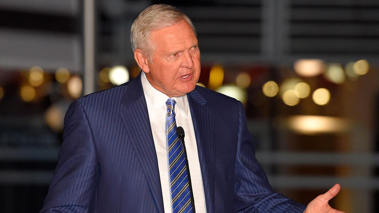 Jerry West to leave Golden State Warriors for Clippers