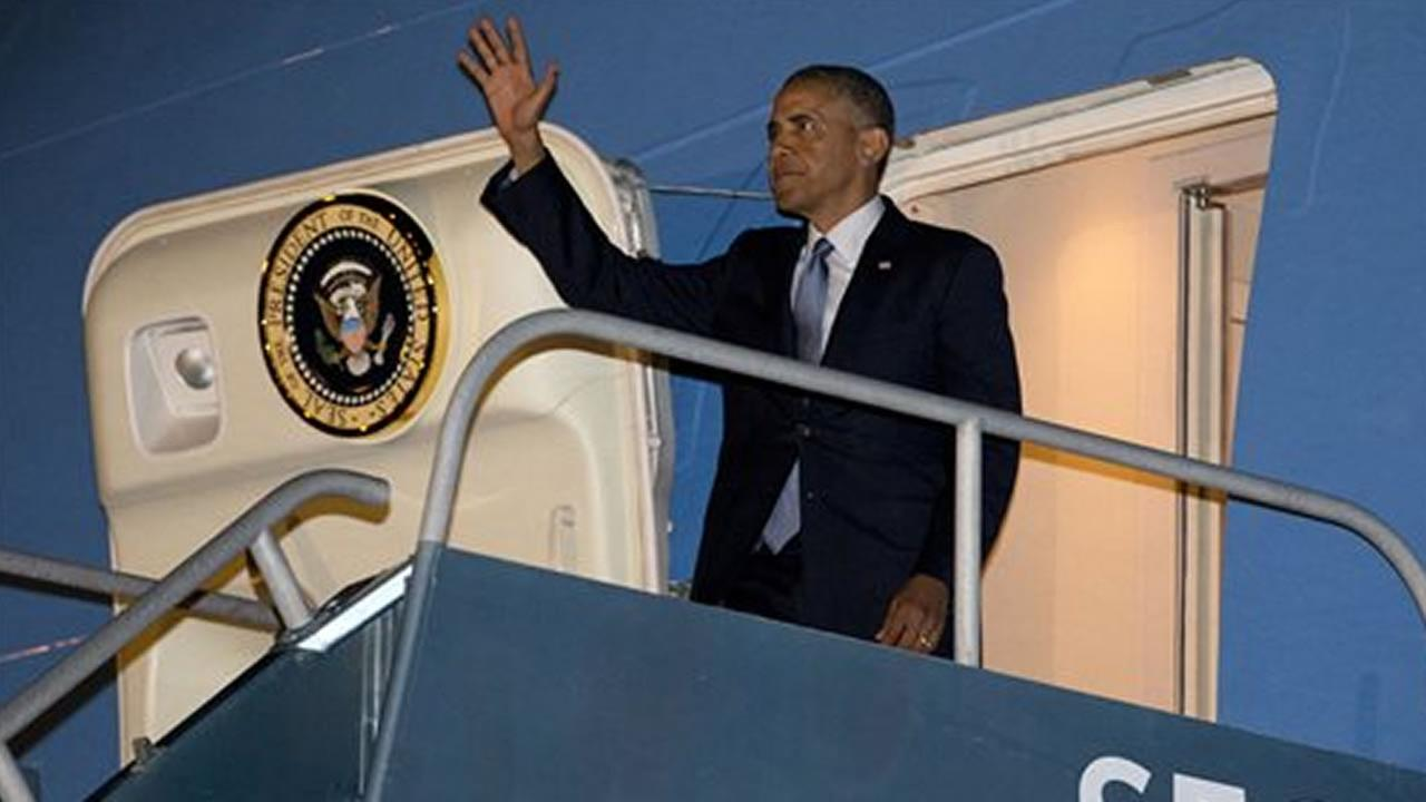 President Barack Obama arrives at San Francisco International Airport