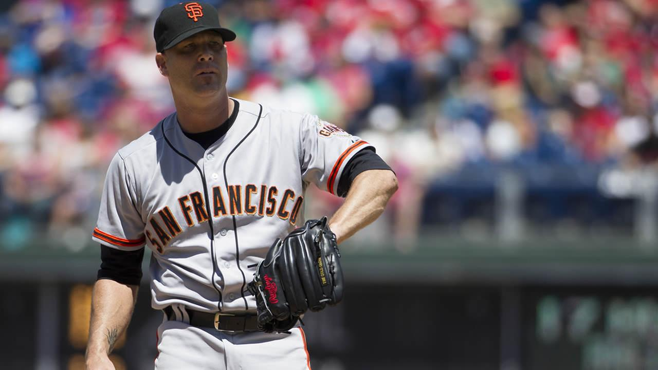 San Francisco Giants starting pitcher Tim Hudson in action during the second inning of a baseball game against the Philadelphia Phillies, July 24, 2014, in Philadelphia. (AP Photo/Chris Szagola)