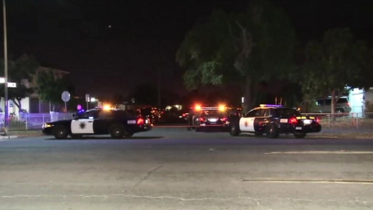 San Jose police investigate crime scene.
