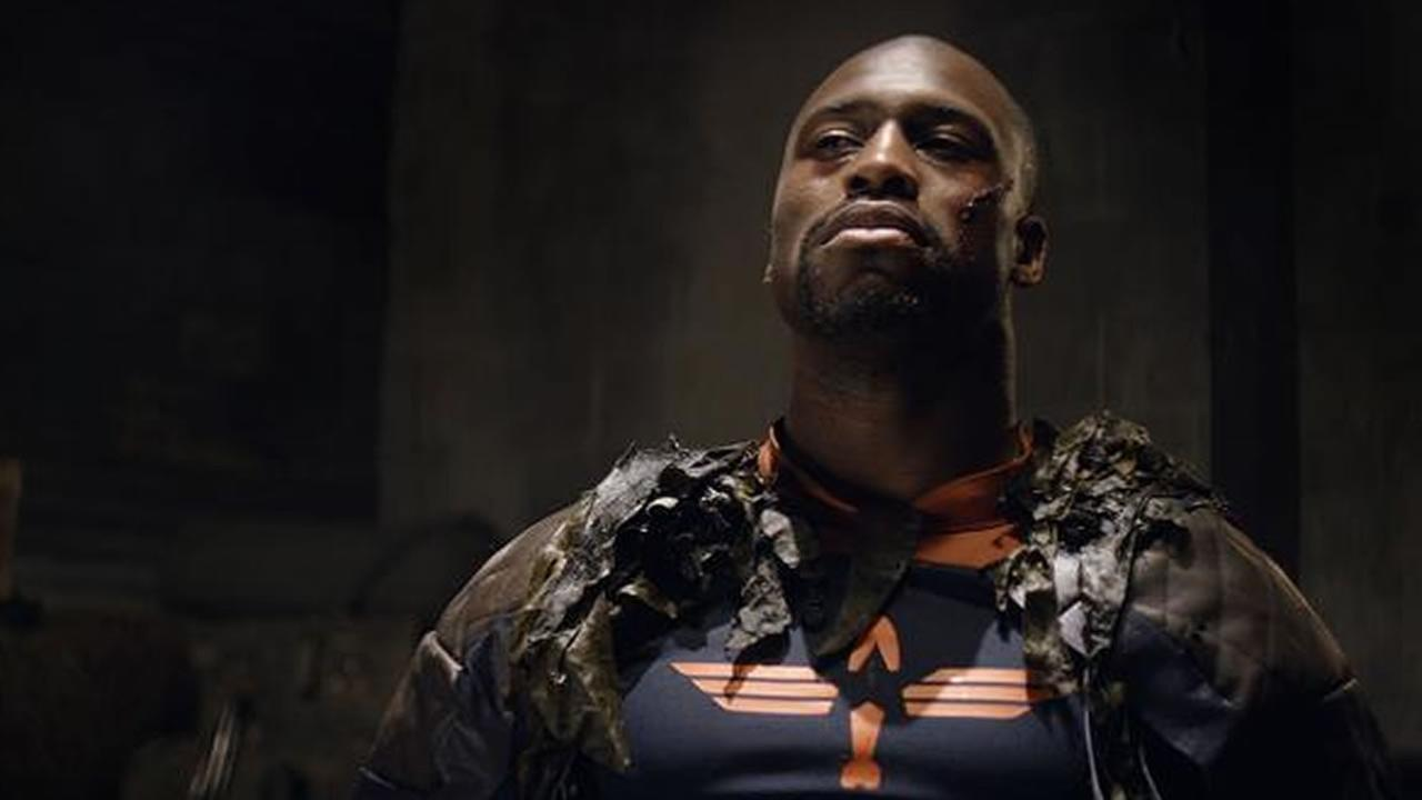 Vernon Davis in the movie trailer for Captain Torpedo