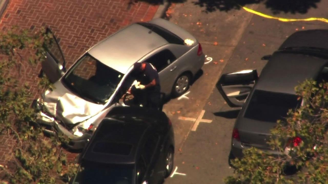 Car crashes into Palo Alto cafe